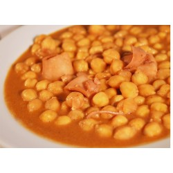 Chipirones con garbanzos
