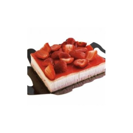 Tarta Cuadrada Nata y Fresas
